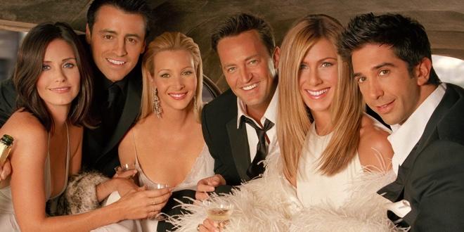 Za jaką kwotę Joey wylicytował łódź na balu dobroczynnym organizowanym przez firmę zatrudniającą Rachel?
