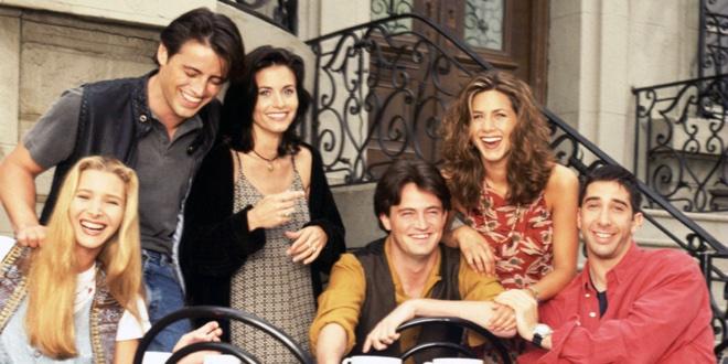 Co spowodowało pożar w mieszkaniu Phoebe, kiedy mieszkała u niej Rachel?