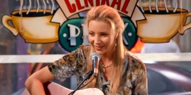 Co powoduje, że Phoebe upuszcza miskę z losami w odcinku z loterią?