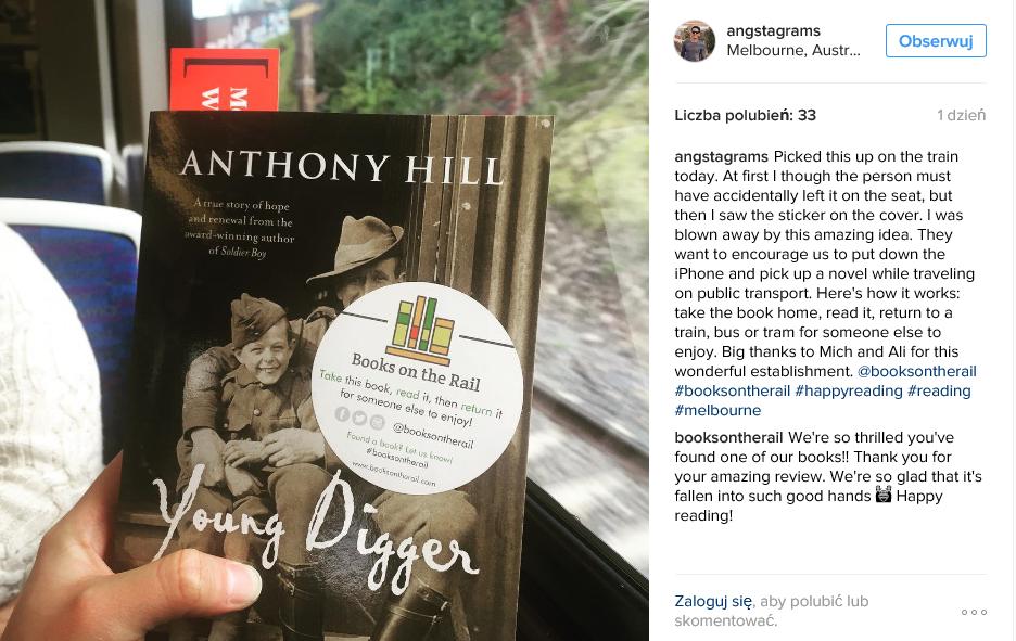 książka, book on the rail