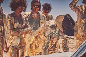 """Arcade Fire trolluje w sieci. Fikcyjna strona z fikcyjną recenzją płyty """"Everything Now"""""""
