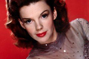 """Renée Zellweger jako Judy Garland jest nie do poznania. Ruszyły zdjęcia do """"Judy"""""""
