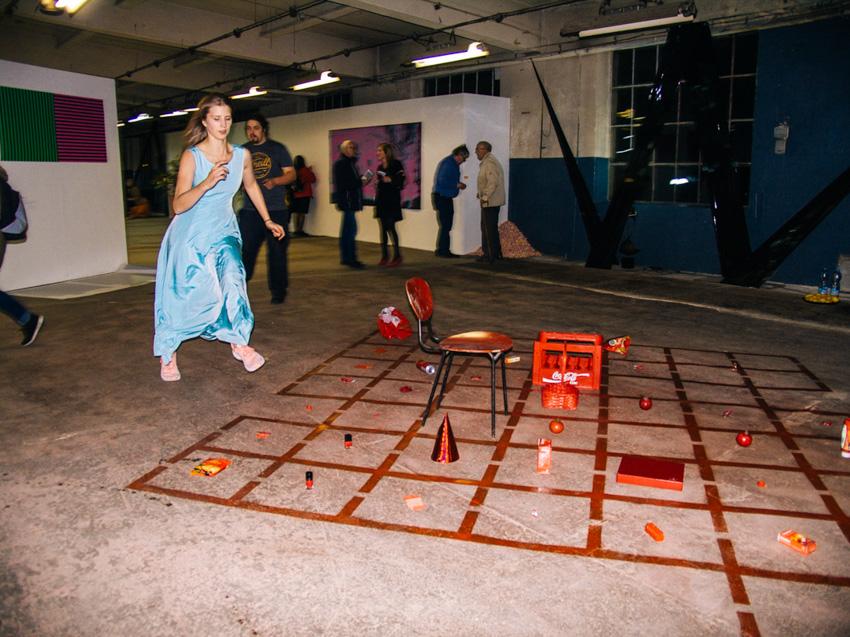Allison Knowles - Hommage to Each Red Thing & Feng Hu w interpretacji Marty Krześlak fot.Karolina Wojtas