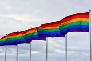 Warszawa pierwszym miastem z Kartą LGBT