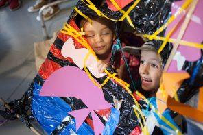 Dotknij sztuki: sensoryczne warsztaty dla dzieci przygotowane przez Centrum Sztuki Współczesnej Zamek Ujazdowski