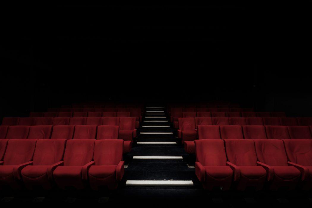 koronawirus kina teatry