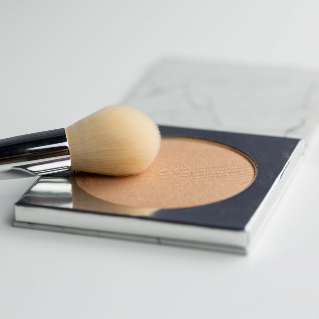 IUNO Cosmetics puder